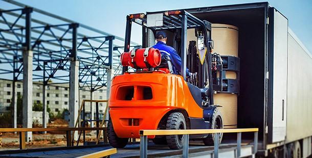 Prestador de serviços de transporte e transportador de carga própria: entenda a diferença
